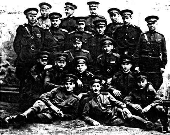 Михаил васильевич служил в следующих частях: 353 западный стрелковый полк, 208 западный стрелковый полк